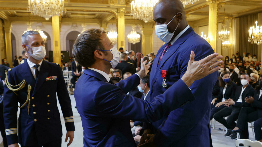 Tokyo Olympics: Olympic and Paralympic medalists received at the Élysée