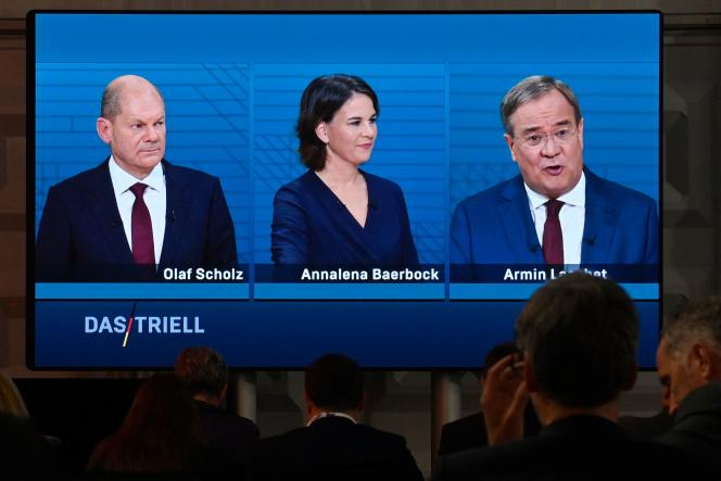 Elections in Germany: Merkel's heir lets down his blows during the televised debate to avoid the announced defeat