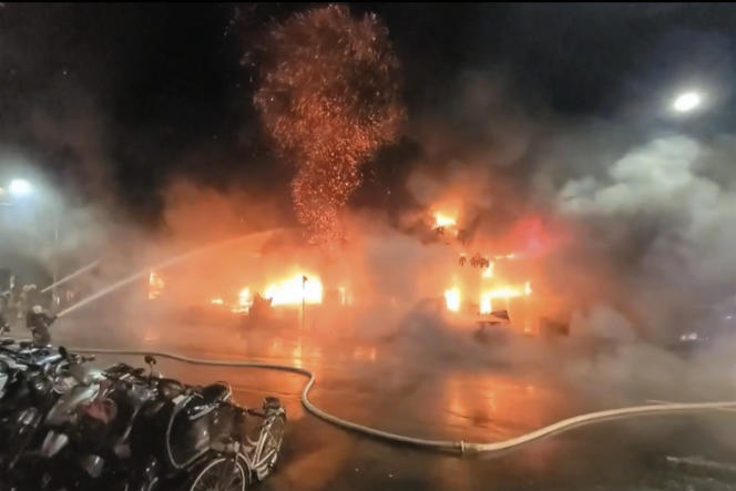 In this picture of the Taiwan EBC video, firefighters put out the fire in Kaohsiung on October 14, 2021.